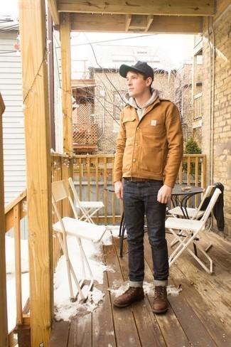 Moda para hombres adolescentes: Equípate una chaqueta estilo camisa marrón claro con unos vaqueros en gris oscuro para una apariencia fácil de vestir para todos los días. Complementa tu atuendo con botas casual de cuero marrónes.