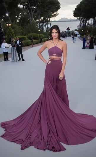 Look de Kendall Jenner: Vestido de Noche Plisado Morado