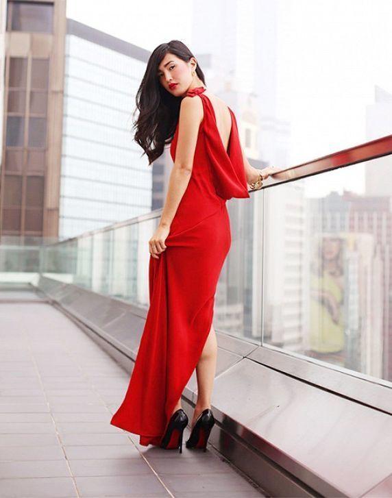 Como combinar un vestido rojo elegante