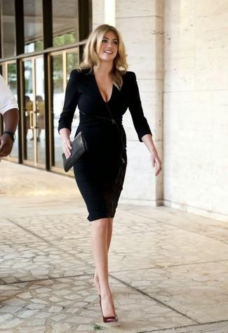 Vestido tubo negro zapatos de tacon de cuero burdeos cartera sobre de cuero negra large 10677