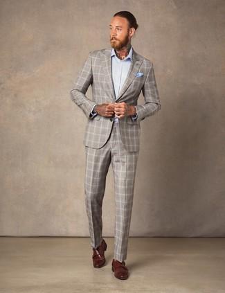 Cómo combinar: pañuelo de bolsillo celeste, zapatos con doble hebilla de cuero marrónes, camisa de vestir celeste, traje de tartán en beige