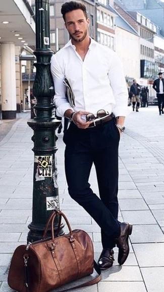 48bc289445 Look de moda  Bolsa de viaje de cuero marrón