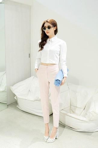 Cómo combinar unos zapatos de tacón blancos con una camisa de vestir ... 5fcf9de64ec50