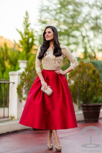 516a7a010 Look de moda: Cartera sobre de satén en beige, Zapatos de tacón de ...