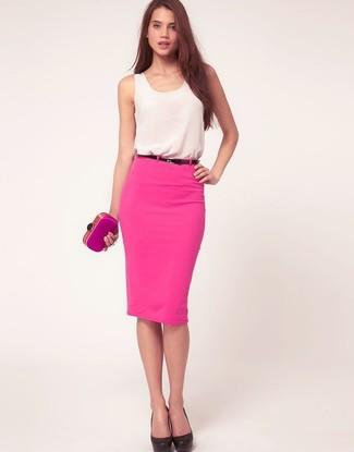 elige auténtico mejores telas oficial Cómo combinar una falda lápiz rosada con una camiseta sin ...