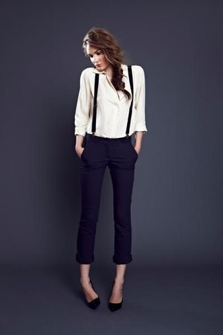 038254824b Unos pantalones pitillo de vestir con unos tirantes negros (4 looks ...