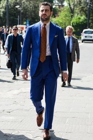 Combinar unos zapatos derby de cuero marrónes: Opta por un traje azul y una camisa de vestir de rayas verticales blanca para una apariencia clásica y elegante. Zapatos derby de cuero marrónes son una opción incomparable para complementar tu atuendo.