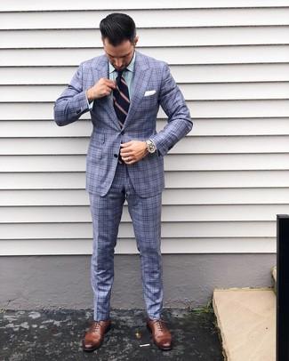 Cómo combinar: corbata de rayas verticales azul marino, zapatos oxford de cuero marrónes, camisa de vestir de rayas verticales verde, traje de tartán celeste