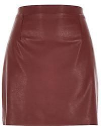 Minifalda de cuero burdeos