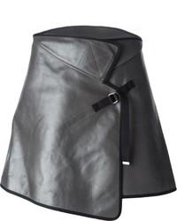 Minifalda de cuero gris de Maison Margiela