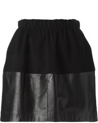 Minifalda de cuero negra de Vince