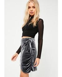 Minifalda de terciopelo en gris oscuro