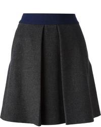 Minifalda plisada en gris oscuro de Cédric Charlier
