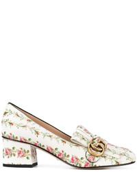 Mocasín de cuero con print de flores blancos de Gucci