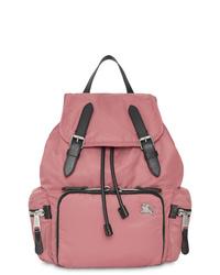Mochila de nylon rosada de Burberry