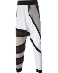 c4bc8c5b8d Comprar un pantalón de chándal con estampado geométrico blanco ...