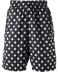 Pantalones cortos estampados en negro y blanco de Puma