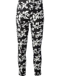 Pantalones pitillo estampados en blanco y negro