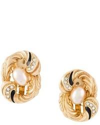 Pendientes dorados de Christian Dior