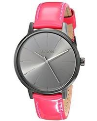 Reloj de cuero rosa de Nixon
