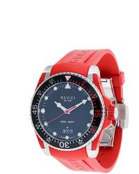 Reloj de goma rojo de Gucci