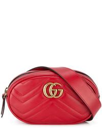 Riñonera de cuero roja de Gucci