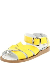 Sandalias amarillas de Salt Water Sandals by Hoy Shoe