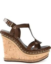 Sandalias con cuña de cuero en marrón oscuro de Casadei