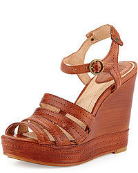 Sandalias con cuña de cuero marrónes