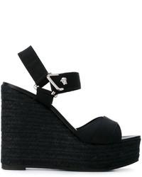 Sandalias con cuña de cuero negras de Versace