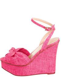 Sandalias con cuña de lona rosa