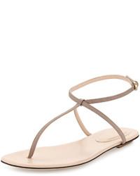 Sandalias de dedo de cuero en beige