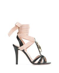 Sandalias de tacón de cuero con adornos negras de RED Valentino