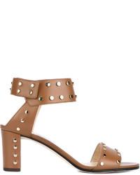 Sandalias de tacón de cuero con tachuelas marrónes de Jimmy Choo