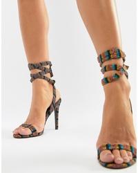 Sandalias de tacón de cuero de rayas horizontales en multicolor