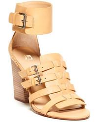 Sandalias de tacón de cuero marrón claro