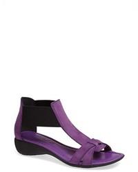 Sandalias de tacón de cuero morado