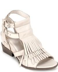 Sandalias de tacón de cuero сon flecos blancas