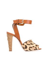 Sandalias de tacón de leopardo marrón claro de RED Valentino