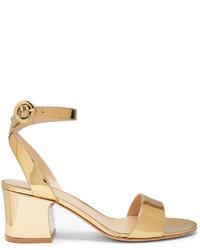 Sandalias de tacón de satén doradas