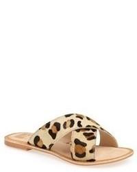 Sandalias planas de ante de leopardo marrón claro