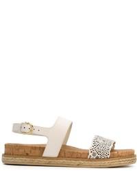 Sandalias planas de cuero blancas de Salvatore Ferragamo