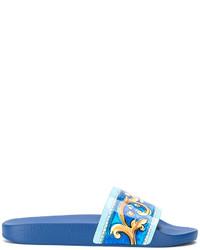 Sandalias planas de cuero estampadas azules de Dolce & Gabbana
