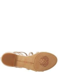 Sandalias romanas de cuero en beige de Vince Camuto