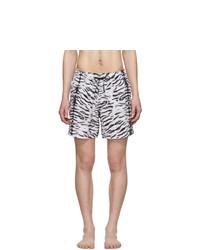 Shorts de baño estampados en blanco y negro