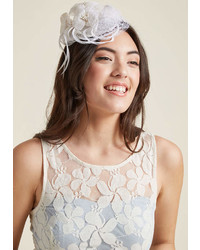 Sombrero con adornos blanco