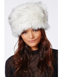 Sombrero de piel blanco