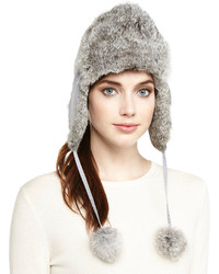 Sombrero de piel gris