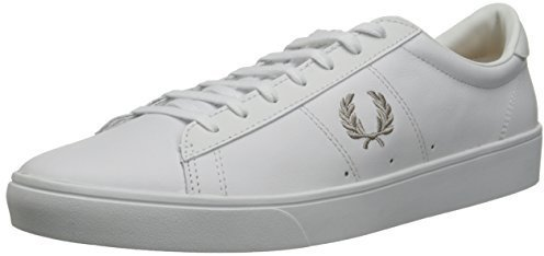 Tenis blancos de Fred Perry