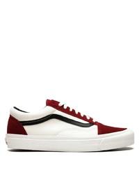 Tenis de cuero en blanco y rojo de Vans